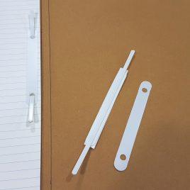 לשונית מצופה  לתיוק עם מדבקה וסגר ליצירת תיקיה קלאסית, גוון לבן, 10 יחידות במארז