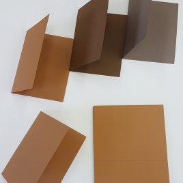 מארז 12 בסיסי נייר לכרטיסי ברכה גוון דבש 216 גרם גודל פתוח 5.5X8.5 אינץ