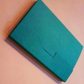 """מארז 4 כיסים , נייר קרפט ירוק 325 גרם מתאים לגלויות 10X15 ס""""מ"""