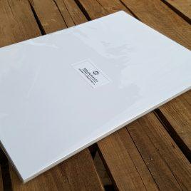 """מארז 16 דפים קרטון לבן איכותי  משקל 450 גרם גודל 24X34 ס""""מ-  13.5X9.5 אינץ"""